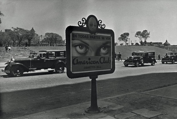 'Plaza San Martín desde Kavanagh', fotografia de 1936, de Horacio Coppola
