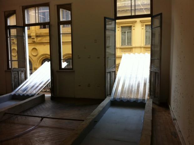 Instalação de Daniel Murgel na galeria Sé, em São Paulo