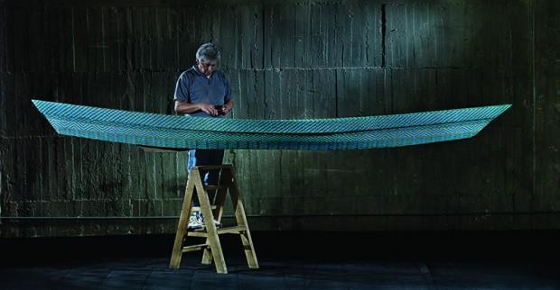 Obra em montagem na mostra 'Tejedores del Agua', no centro cultural Conde Duque, em Madri