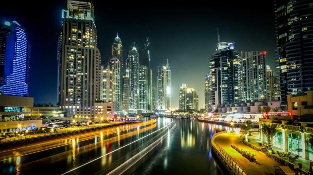 Vista de Dubai, maior metrópole dos Emirados Árabes Unidos