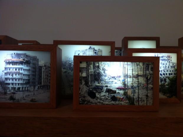 Instalação da artista vietnamita Tiffany Chung, na galeria Tyler Rollins Fine Art, de Nova York