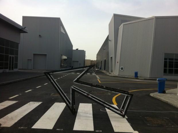 Instalação numa das ruas do distrito Alserkal Avenue, em Dubai