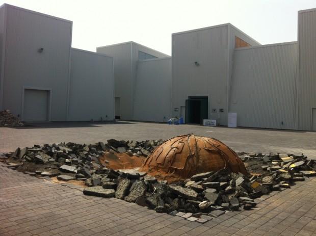 Instalação da artista saudita Mehreen Murtaza, no distrito de Alserkal Avenue, em Dubai