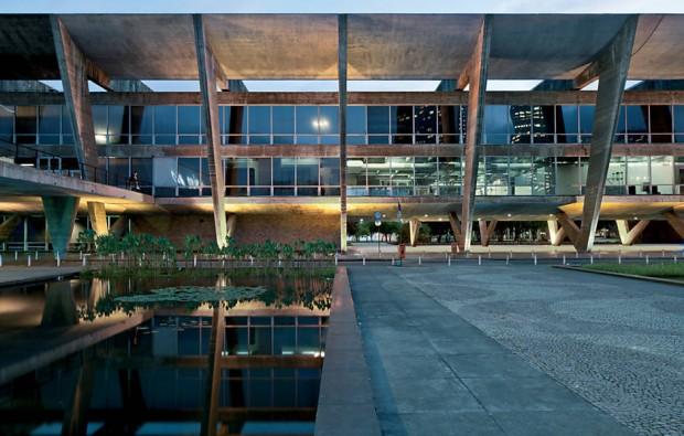 Museu de Arte Moderna do Rio, projeto de Affonso Eduardo Reidy, destaque da mostra do MoMA