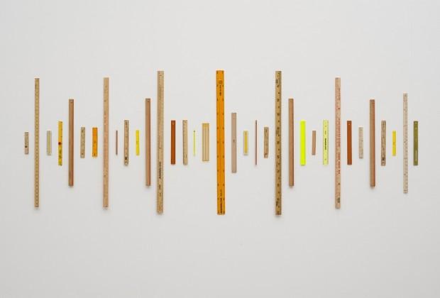 Instalação de Jac Leirner, na Bienal de Charjah