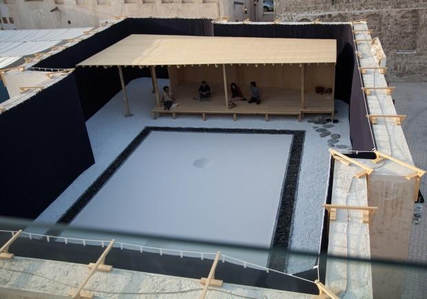 Instalação de Taro Shinoda, na Bienal de Charjah