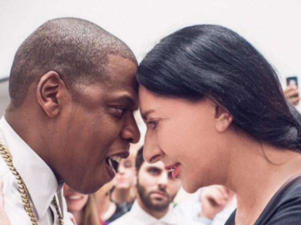 Jay Z e Marina Abramovic na gravação do clipe 'Picasso Baby'
