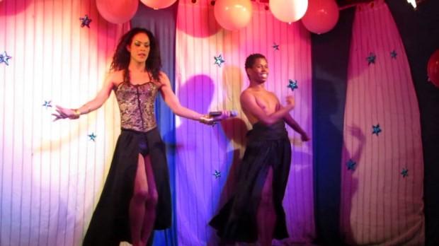 Maryana Mercury em performance no bar Queen, em São Paulo