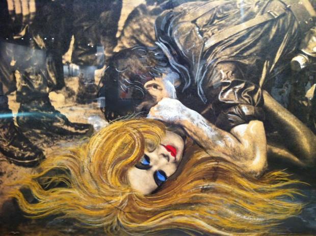Fotomontagem do artista argentino Antonio Berni na galeria Sur, na ArteBA, em Buenos Aires