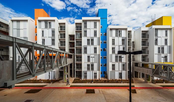 Conjunto habitacional projetado por Héctor Vigliecca na favela de Heliópolis, em São Paulo