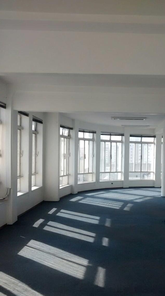 Nova sede da Boatos Fine Arts, que ocupa um andar de um prédio na praça da República